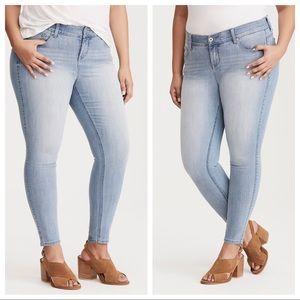 Torrid | Bomshell Skinny Jeans